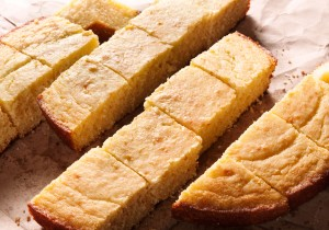 Classic Cornbread: a no-fail recipe for your Thanksgiving or Holiday table.