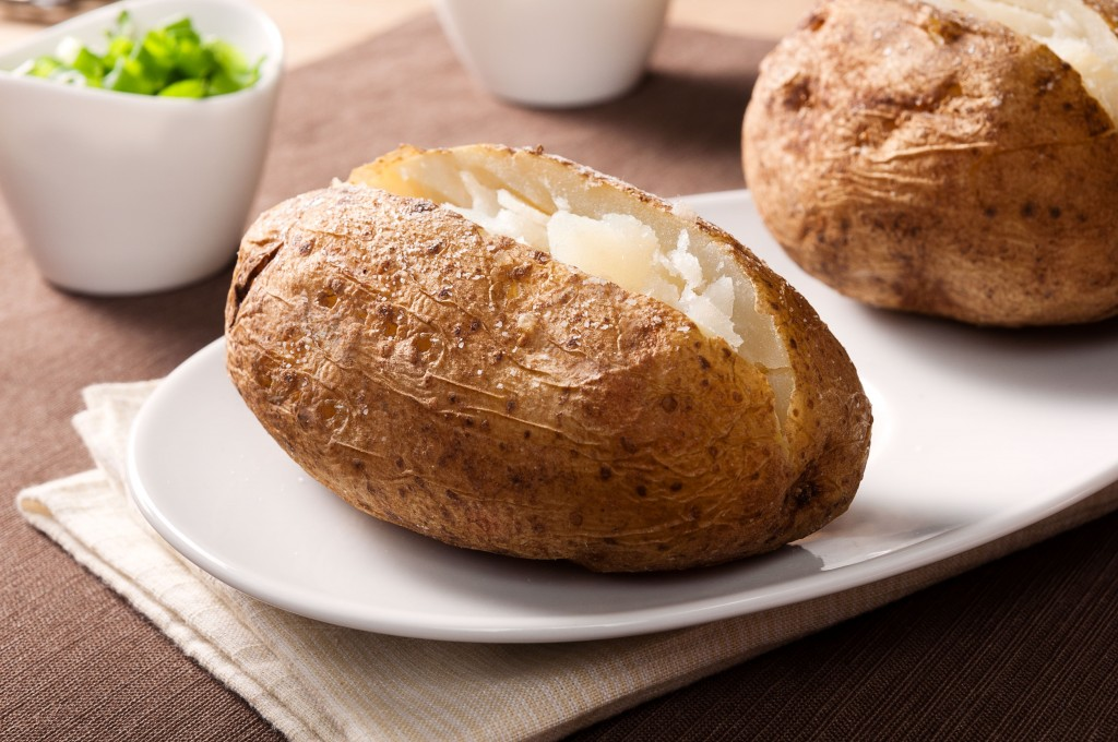 Perfect Baked Potato. An easy recipe for baked potatoes by Alton Brown | ibakeheshoots.com