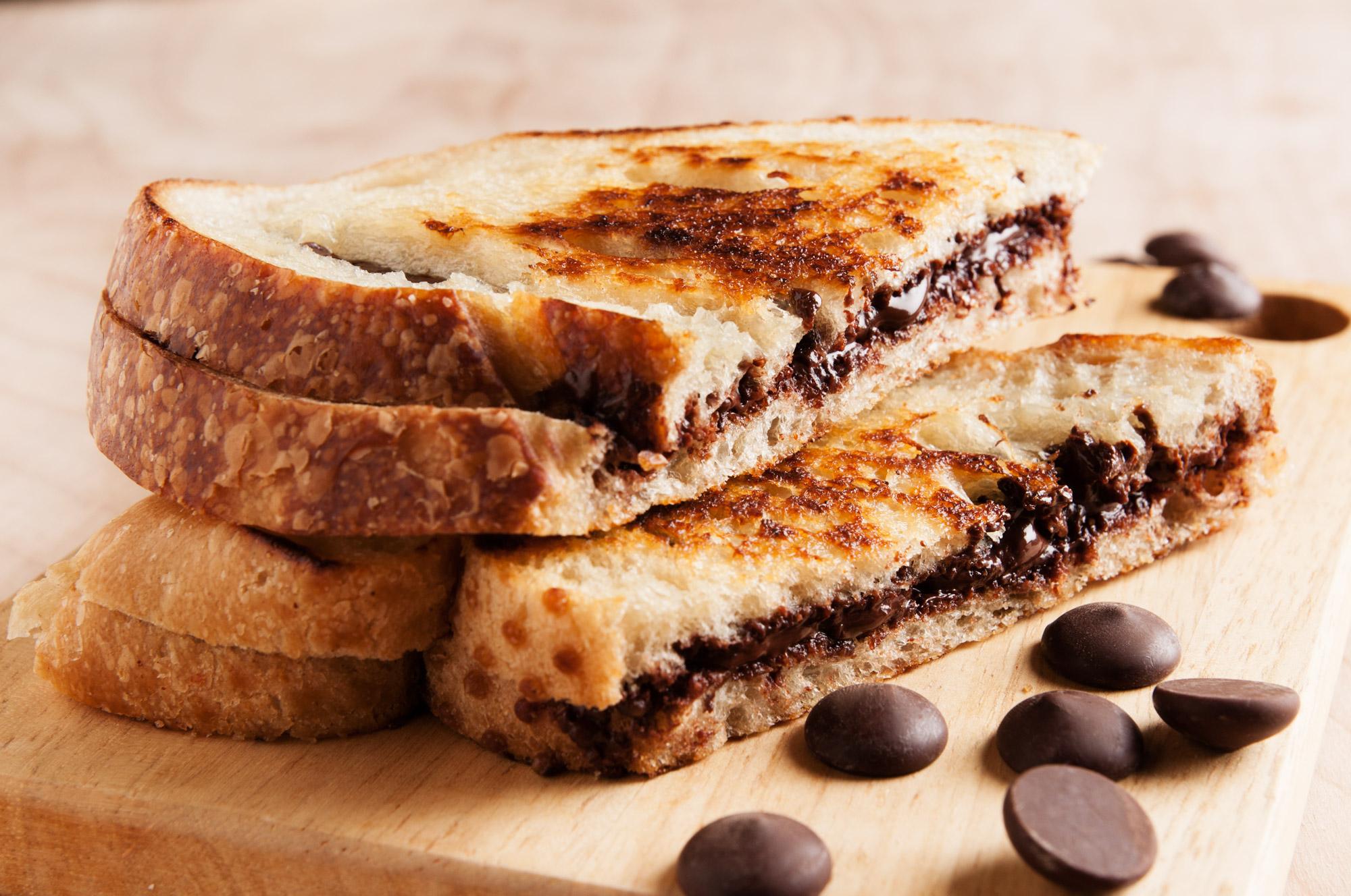 Chocolate And Banana Toasted Sandwich
