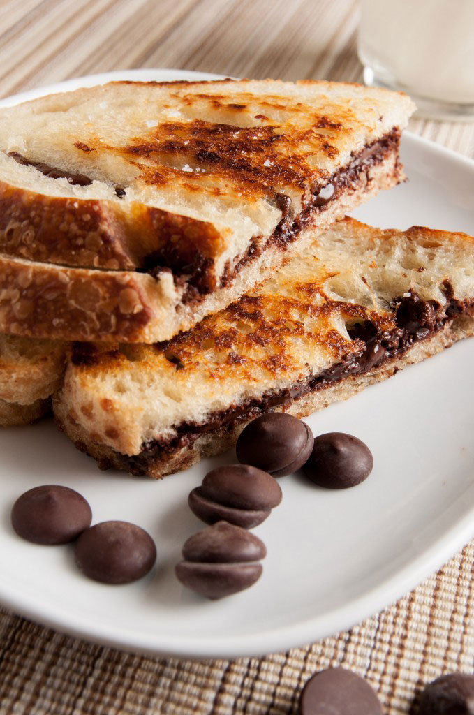 Grilled Chocolate Sandwiches: a quick and easy dessert sandwich by I ...