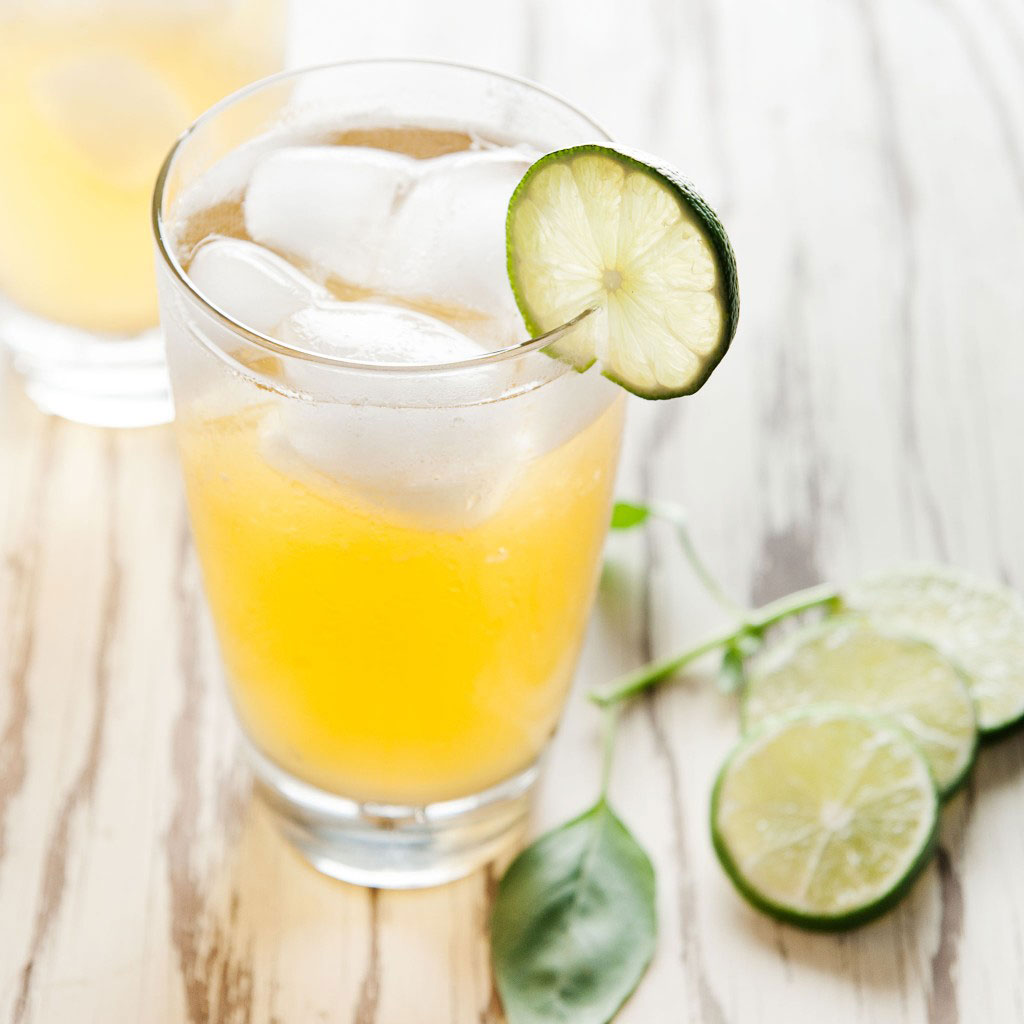 Basil Beerade: a refreshing summer cocktail | ibakeheshoots.com