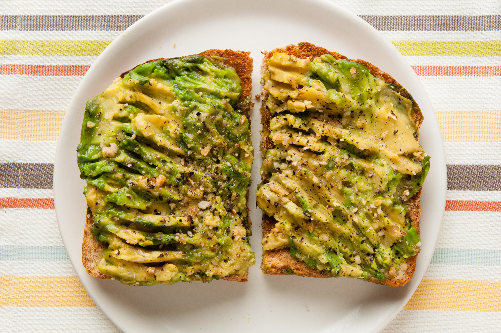 your immune system with Avocado Toast: an easy and healthy breakfast ...