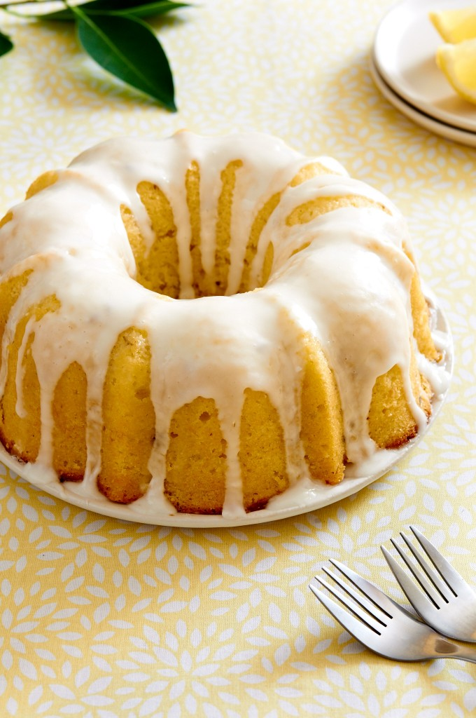 This Lemon Lavender Bundt Cake is light, moist and very refreshing. The perfect spring time dessert. | ibakeheshoots.com