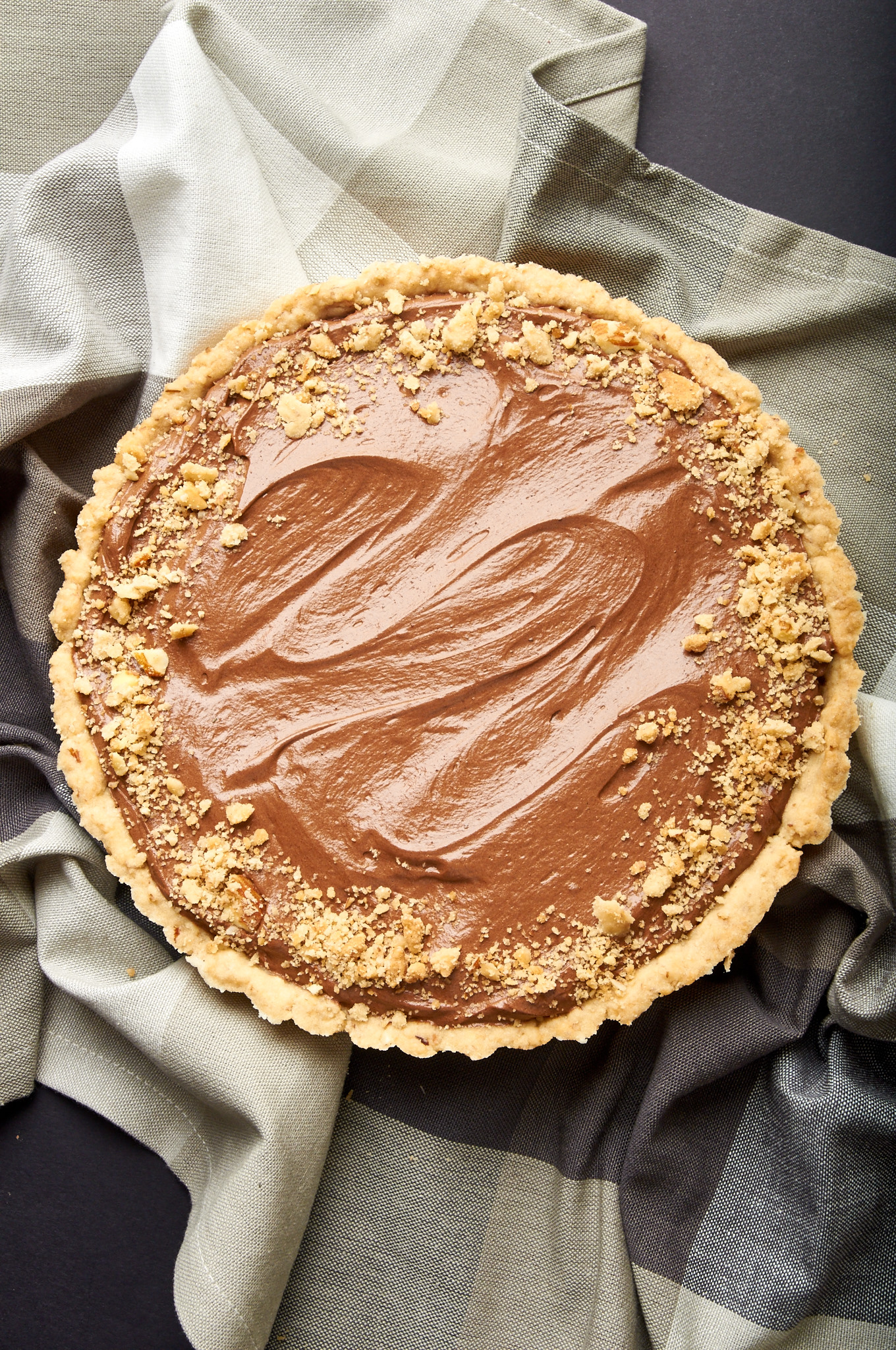 California Almond Fudge Pie, crust and filling made with Amaretto! | ibakeheshoots.com