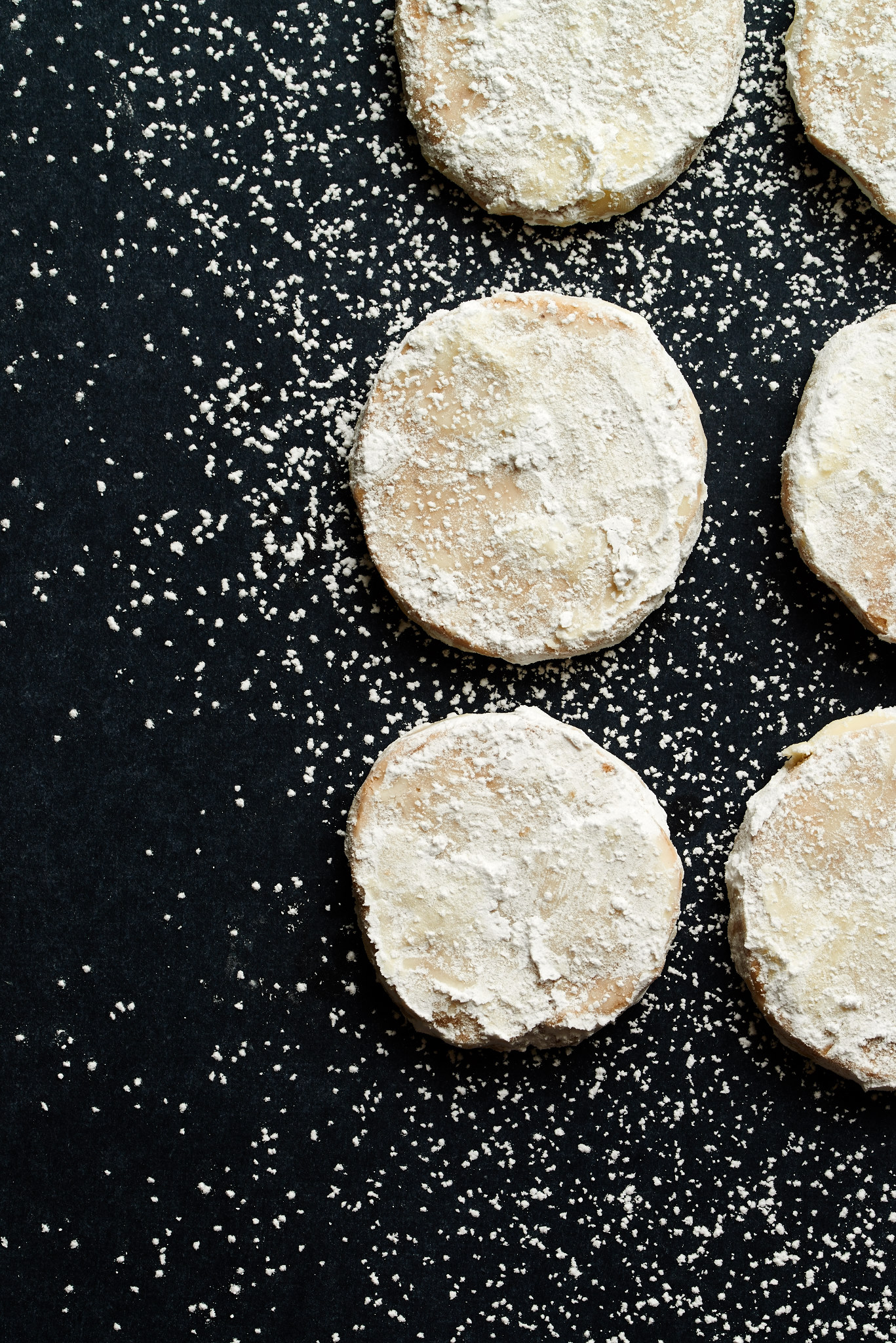 Up your cookie game with these light and fluffy Amaretto Meltaways. | ibakeheshoots.com